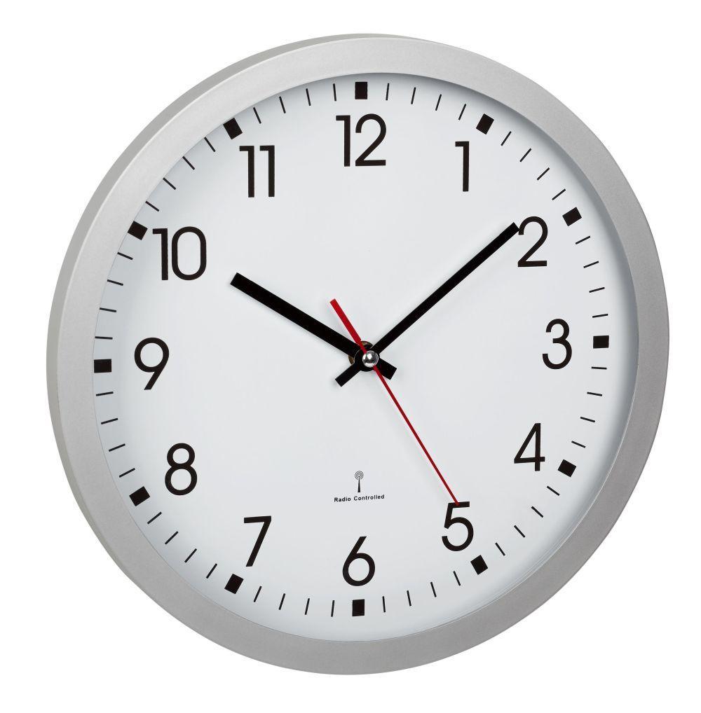 Analogové nástěnné hodiny řízené rádiovým DCF signálem TFA 60.3522.02